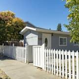 Cozy 2-bedroom in the Heart of Redwood City