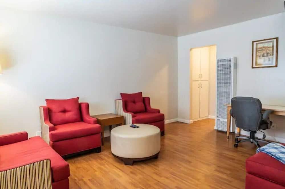 Apart Daire (Comfy 1-Bedroom in Santa Clara, near ) - Oturma Odası