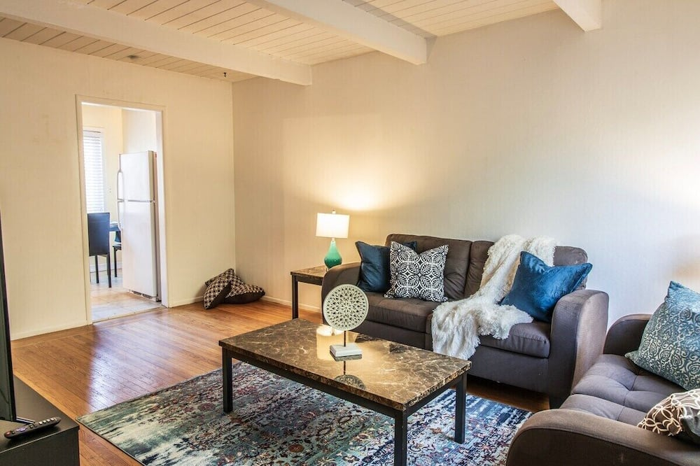 Apartment (Sunny Two Bed in Richmond) - Wohnzimmer