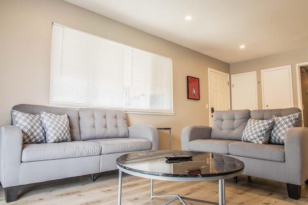 Apartment (Updated 2 bedroom in San Jose) - Living Room