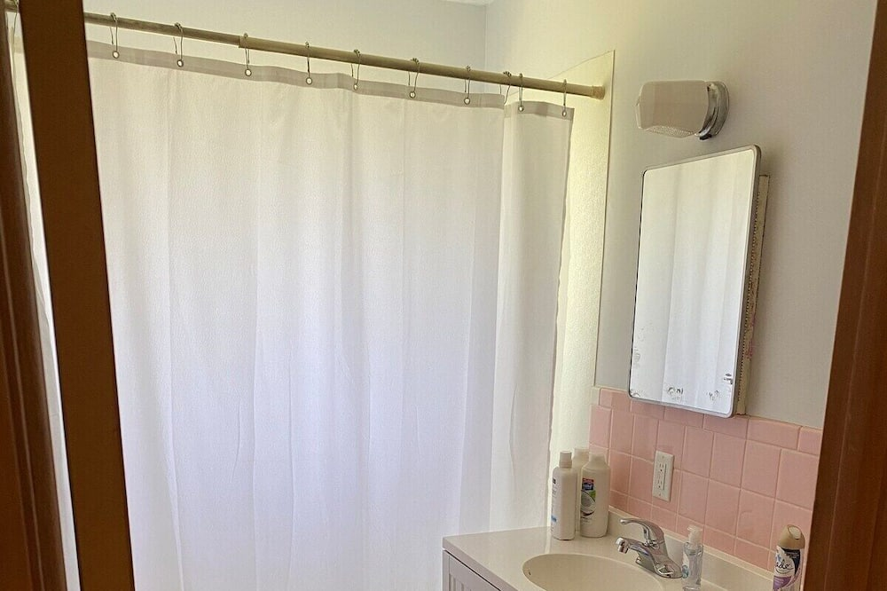 Коттедж (Brand New 2BR Home in Salina) - Ванная комната