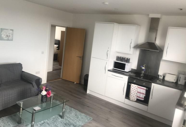 Luxury City Apartment, Swansea, Luxury Apartment, Private Bathroom, Partial Sea View, Lounge