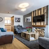 Classic House, 3 Bedrooms - Living Area