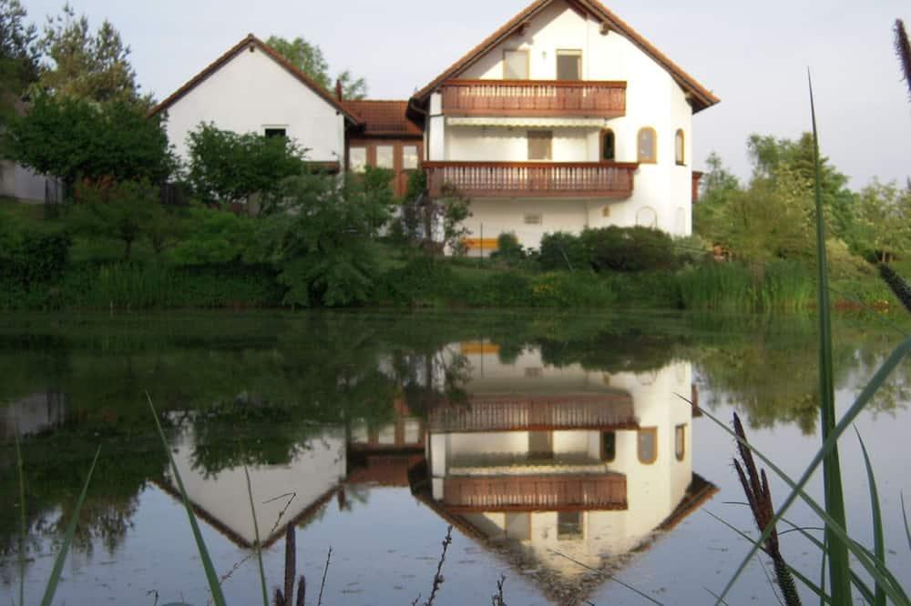 Фасад помешкання