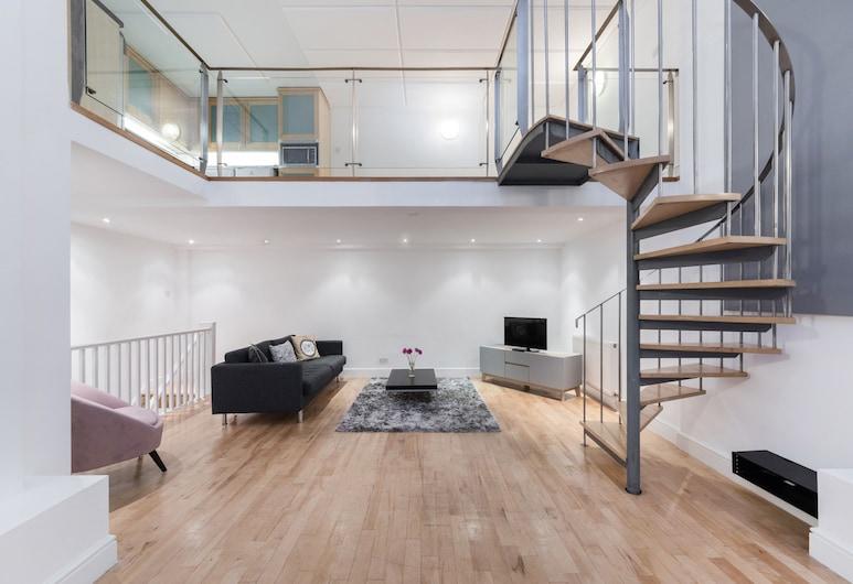 Berners House - Amazing Short let Apartment in Central London, London, apartman, 2 hálószobával, Nappali