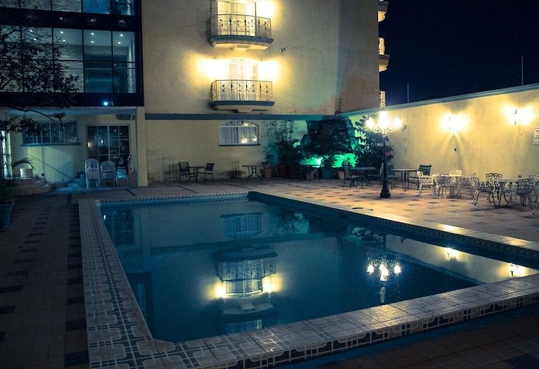 Hotel Suites La Aurora, Tegucigalpa, Veranda
