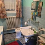 Tweepersoonskamer - Gemeenschappelijke badkamer