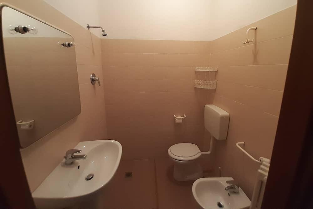 Zweibettzimmer - Badezimmer
