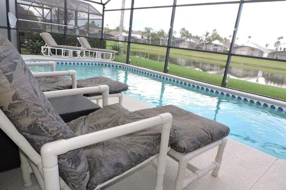 วิลล่า, หลายเตียง (Ref 09 Luxury 4 Bed Villa with privat) - สระว่ายน้ำ