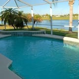 Ref 27 Modern 6 Bed Villa Lake and Golf View Private Pool