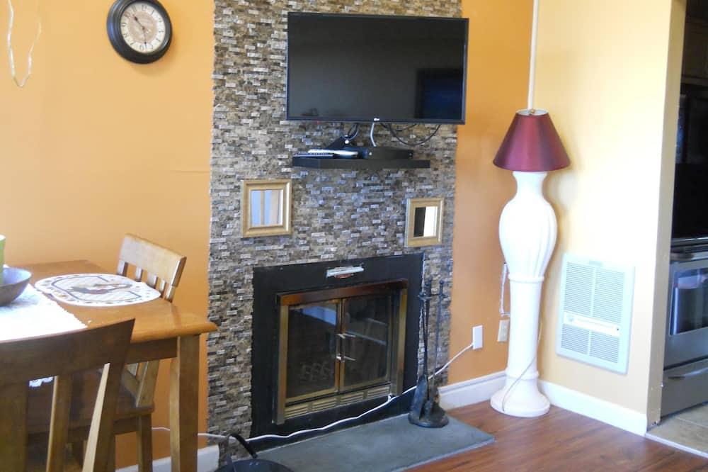 Condo, 2 Queen Beds (Sugar Ski & Country Club Unit 11-203 ) - Living Room