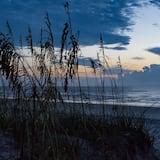Кондо (Mermaid Beach House) - Пляж