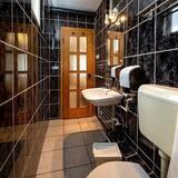 Familieværelse med dobbeltseng eller 2 enkeltsenge - Badeværelse
