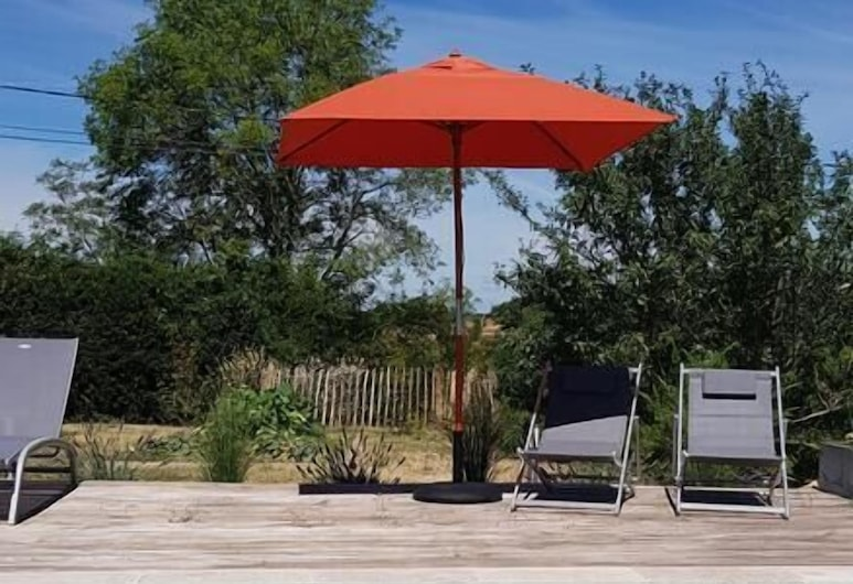 Maison Reces, Floressas, Outdoor Pool