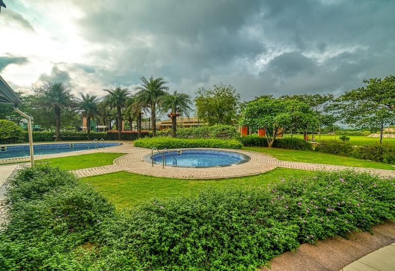 The Grand Gardens Resort, Igatpuri, Pool