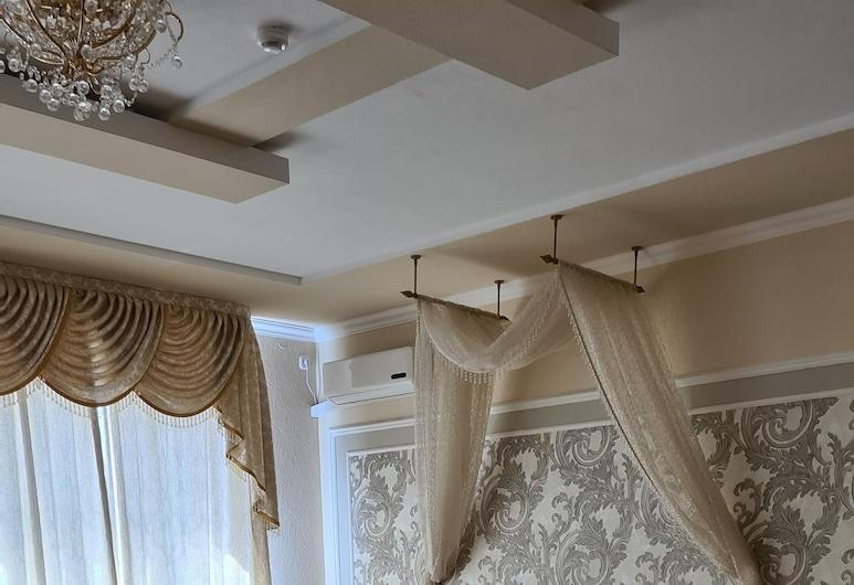 Versalles, Maykop, Honeymoon Suite, Guest Room