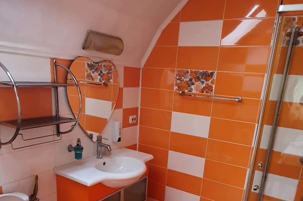 Deluxe Room, Balcony - Bilik mandi