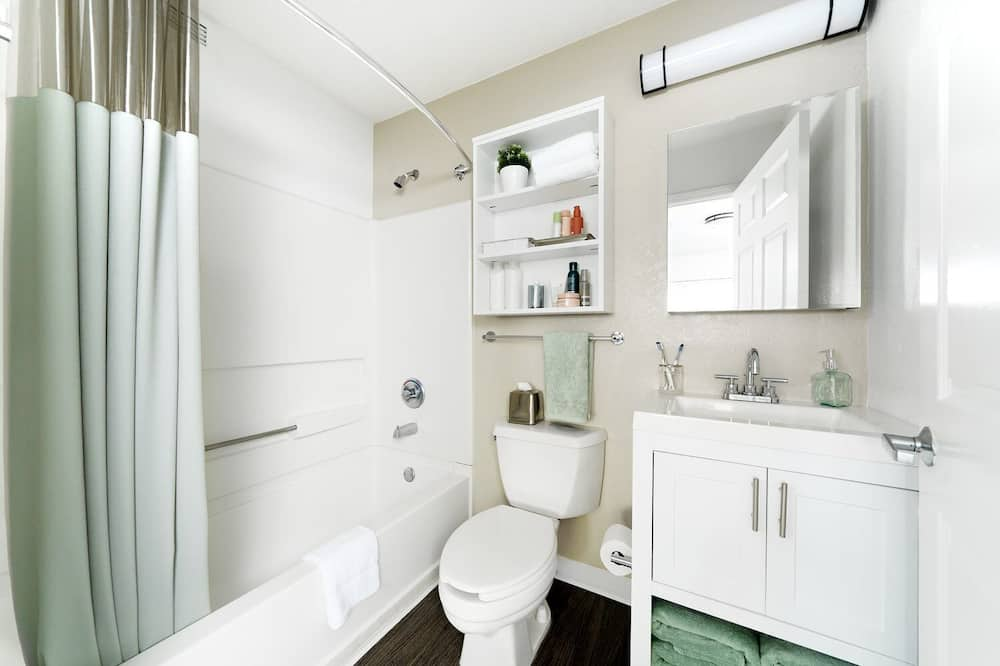 Izba typu Premium, 1 veľké dvojlôžko s rozkladacou sedačkou - Kúpeľňa