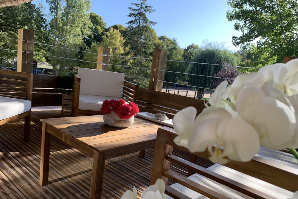 Deluxe House, Hot Tub, Garden View - Balcony View
