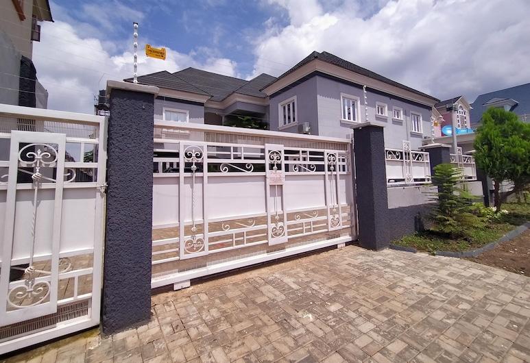 221 Apartments, Abuja, Interior Entrance