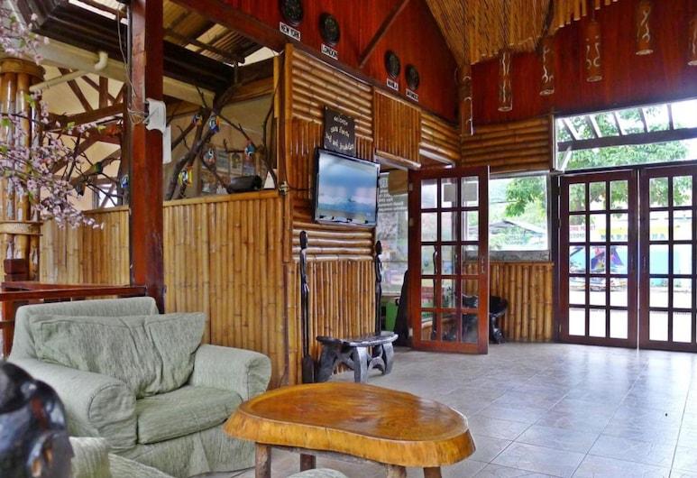 OYO 676 Casa Fuerte Bed And Breakfast, Puerto Princesa, Poilsio zona vestibiulyje
