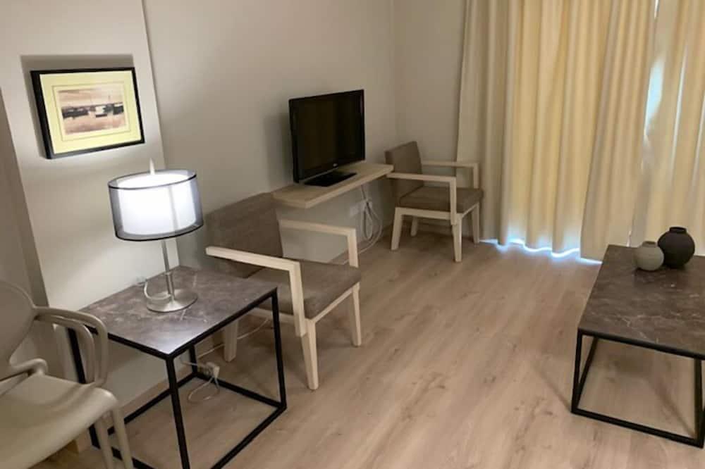 アパートメント 1 ベッドルーム (Recently Renovated) - リビング エリア