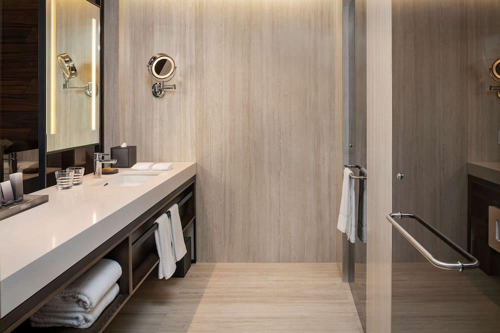 Номер, 1 ліжко «кінг-сайз», з видом на курорт - Ванна кімната