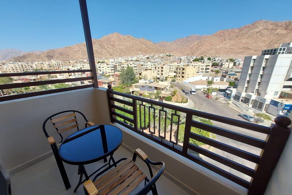 Dvivietis kambarys (2 viengulės lovos), vaizdas į kalnus - Vaizdas iš balkono