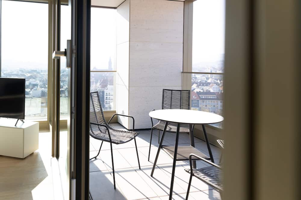 Business Premium Apartment 11.4 - Balcony