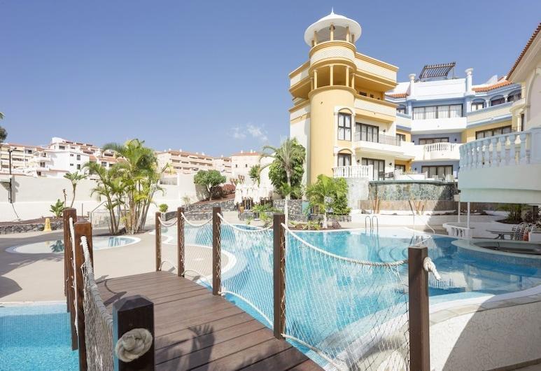 Atlas Tenerife Elegance Suites Resort, Arona, Sundlaug