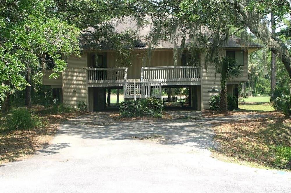 Club Cottage 825