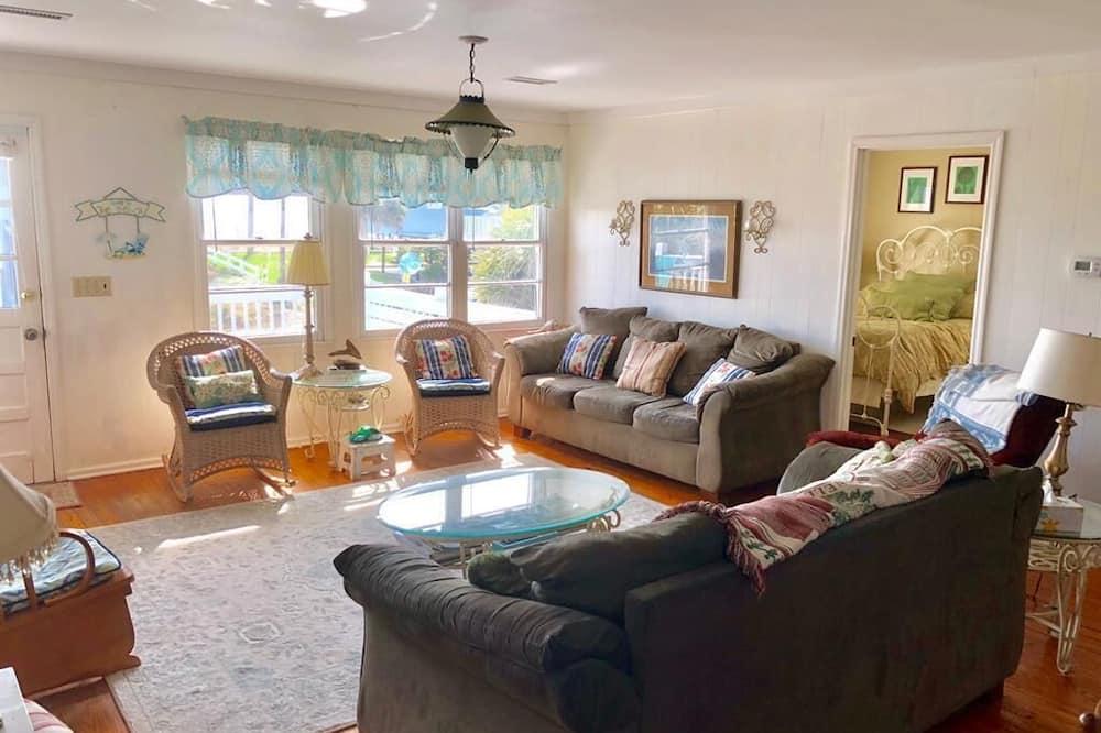 Māja, vairākas gultas (Dowry) - Dzīvojamā istaba