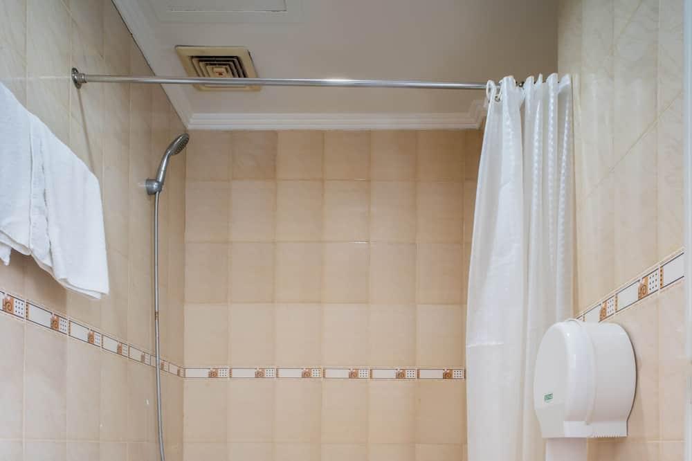 Standard háromágyas szoba - Fürdőszoba