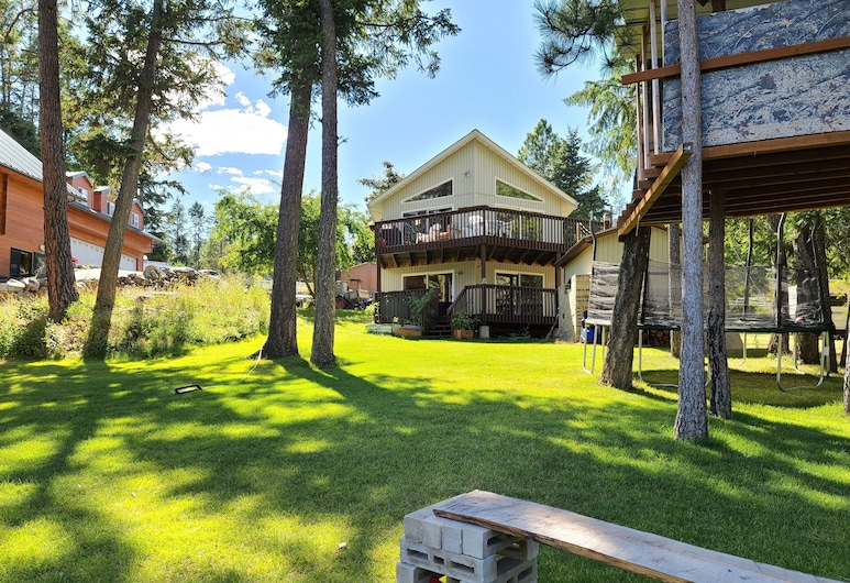 Flathead Lake Home W/ Private Beach, Dock, and hot tub, Lakeside, Property Grounds