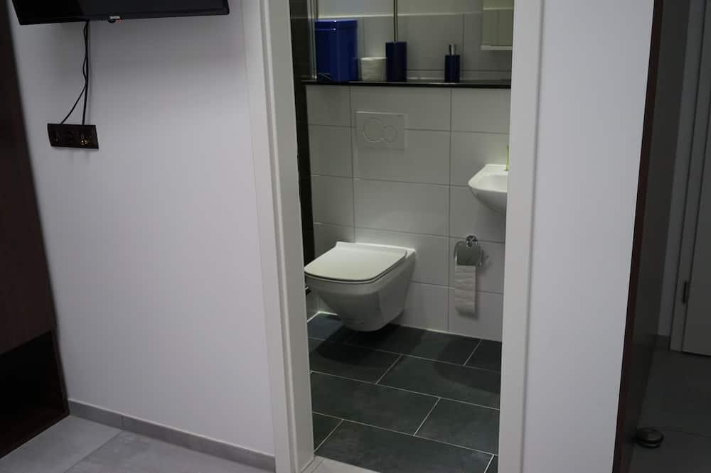 Asrama Umum Klasik - Kamar mandi