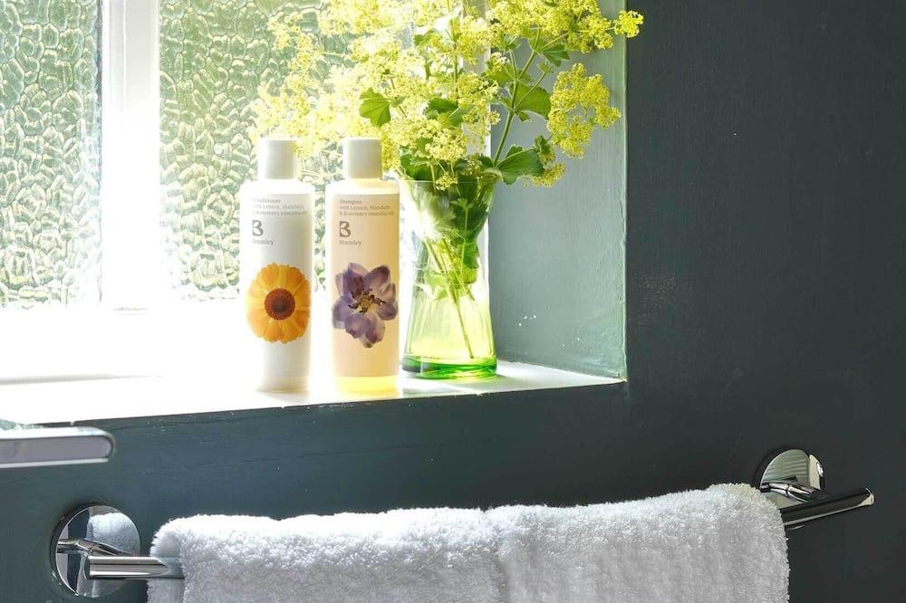 Luxury-Doppelzimmer, mit Bad, Flussblick (Nadder) - Badezimmer