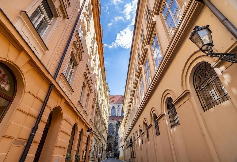 APT OLD TOWN by Michal&Friends, Πράγα, Πρόσοψη καταλύματος - βράδυ