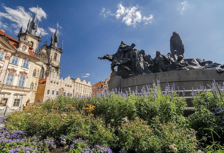 Michal&Friends LOFT APT ON OLD TOWN SQUARE, Prag, Comfort-Apartment, Blick auf die Stadt