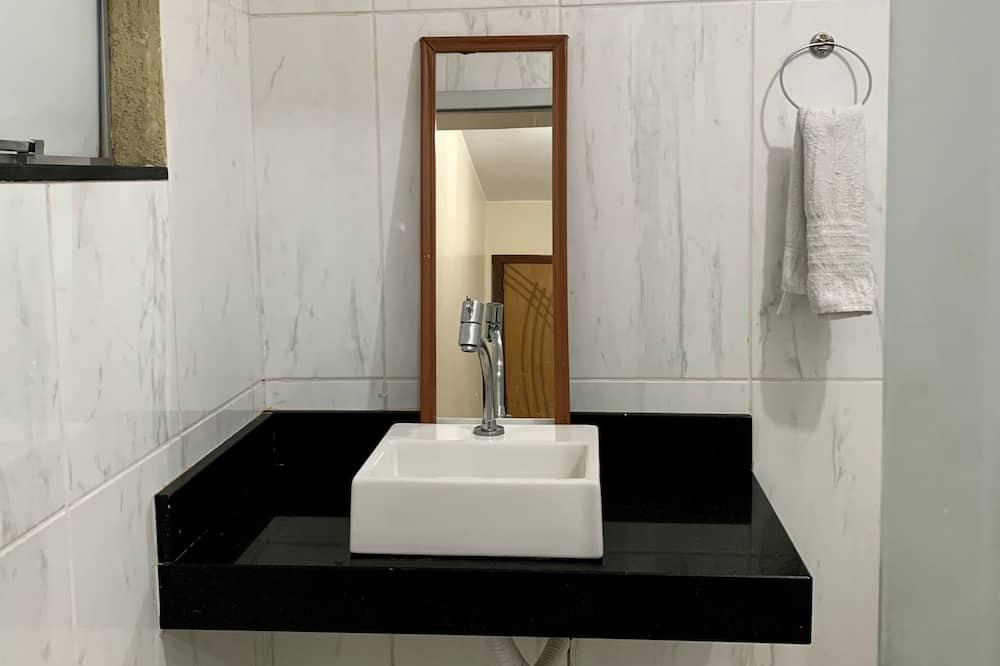 Comfort Twin Room - Bathroom