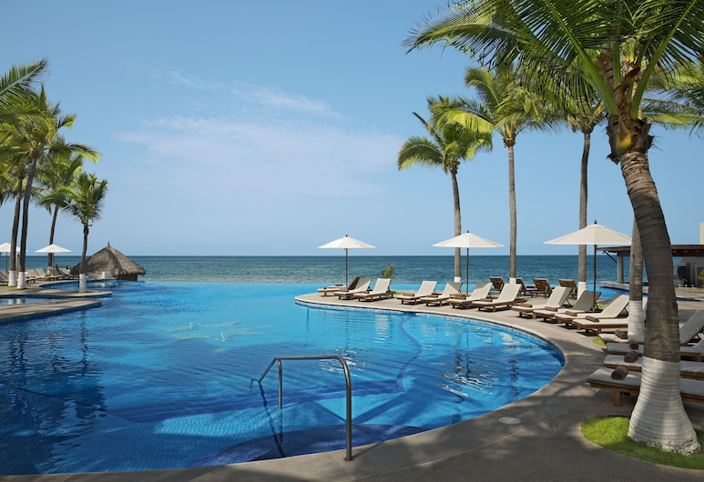 Krystal Grand Nuevo Vallarta – All Inclusive, نيفو فالارتا, حمّام سباحة لا مُنتهي