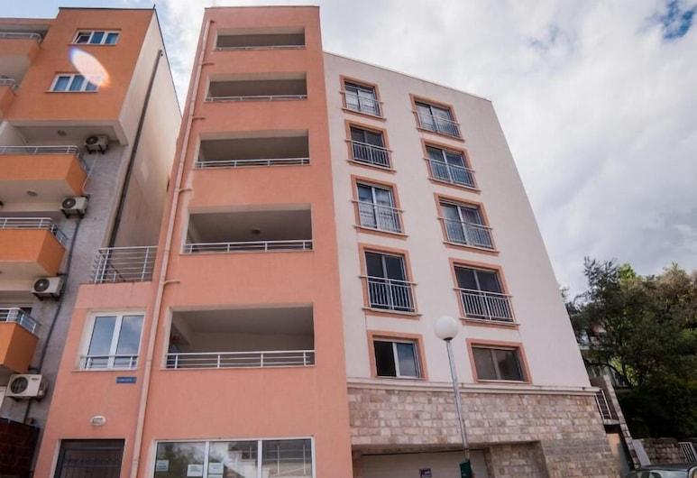 Mitende Apartments, Becici