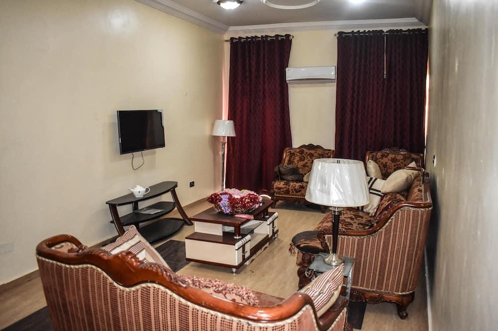 חדר נשיאותי לשלושה - אזור מגורים