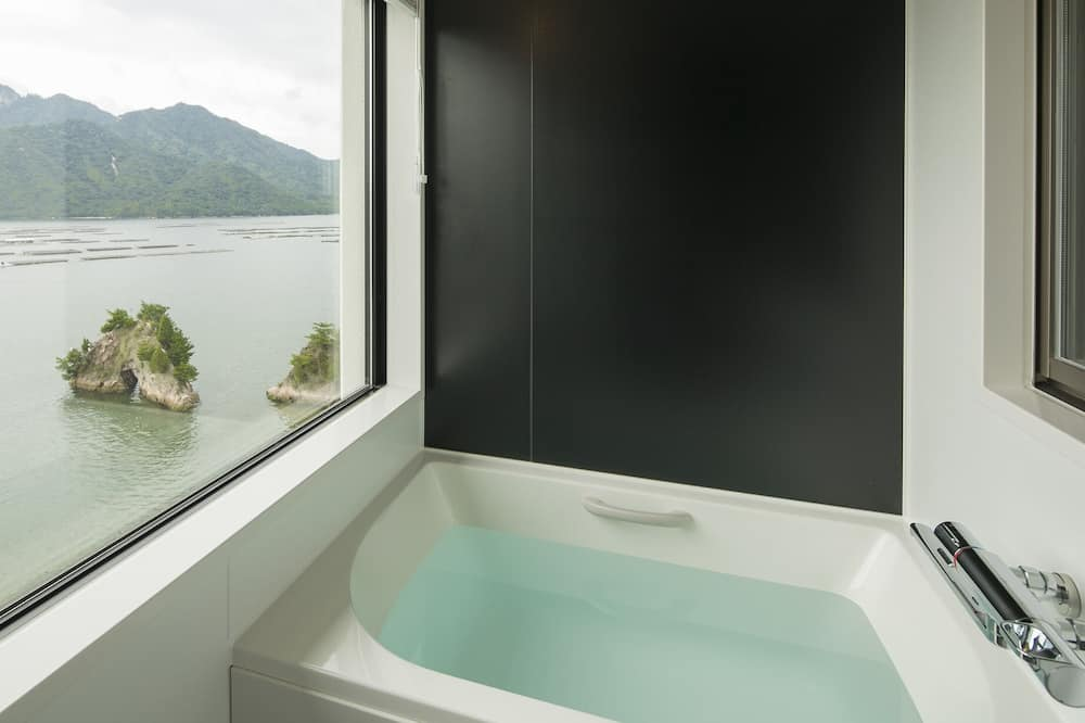 Executive Twin Room, Non Smoking, Sea View (Separated Bath and Toilet) - Bathroom