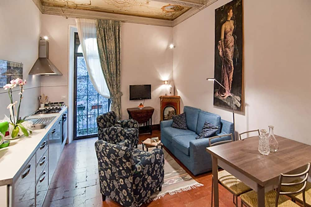 Класичне кондо, 2 спальні, для некурців, 2 ванни - Житлова площа
