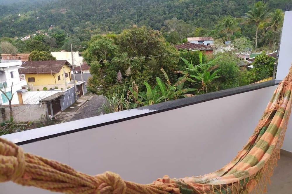 Dormitorio compartido familiar - Vista al balcón