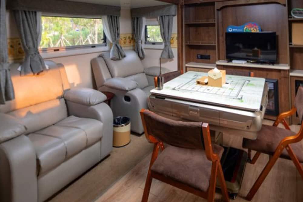Chambre (Recreational Vehicle) - Coin séjour