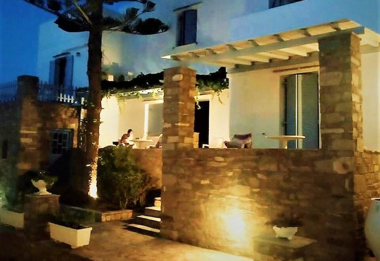 Elena Studios and Apartments, Paros, Connecting Studio for 4, Tuba