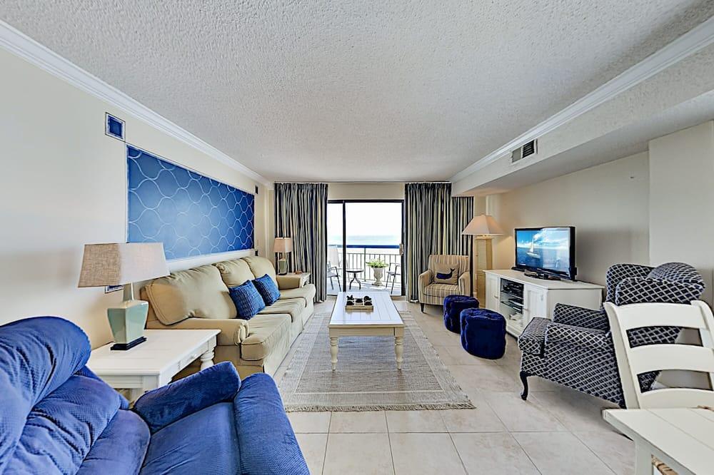 Sunny Beachfront Condo With Pool & Private Balcony 2 Bedroom Condo