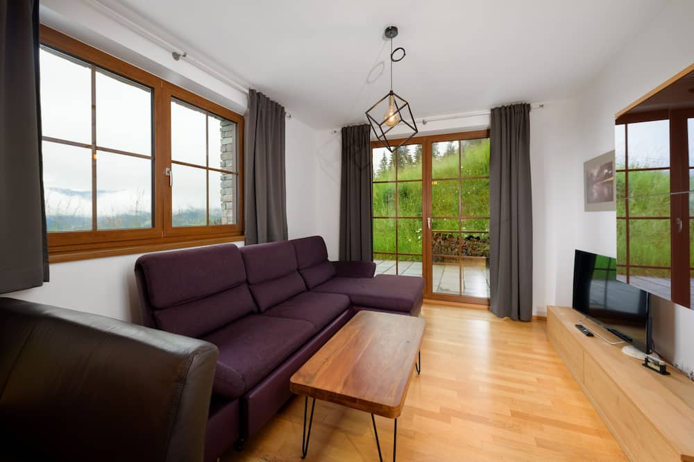 Grand Apartment, 2 Bedrooms, Terrace - Living Area