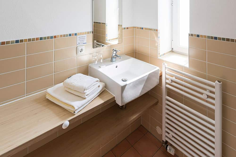 Quarto Duplo Básico, Varanda - Casa de banho